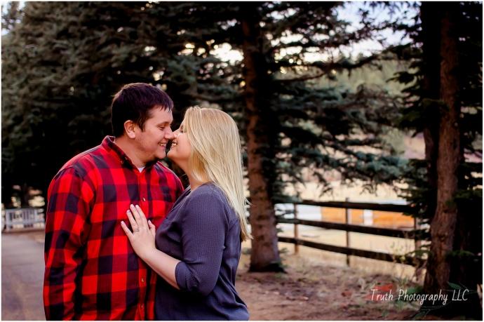 Colorado-engagement-photo